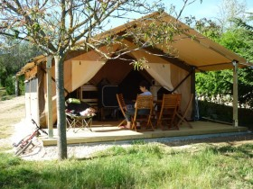 lodges-camping-ardeche-vagnas-03